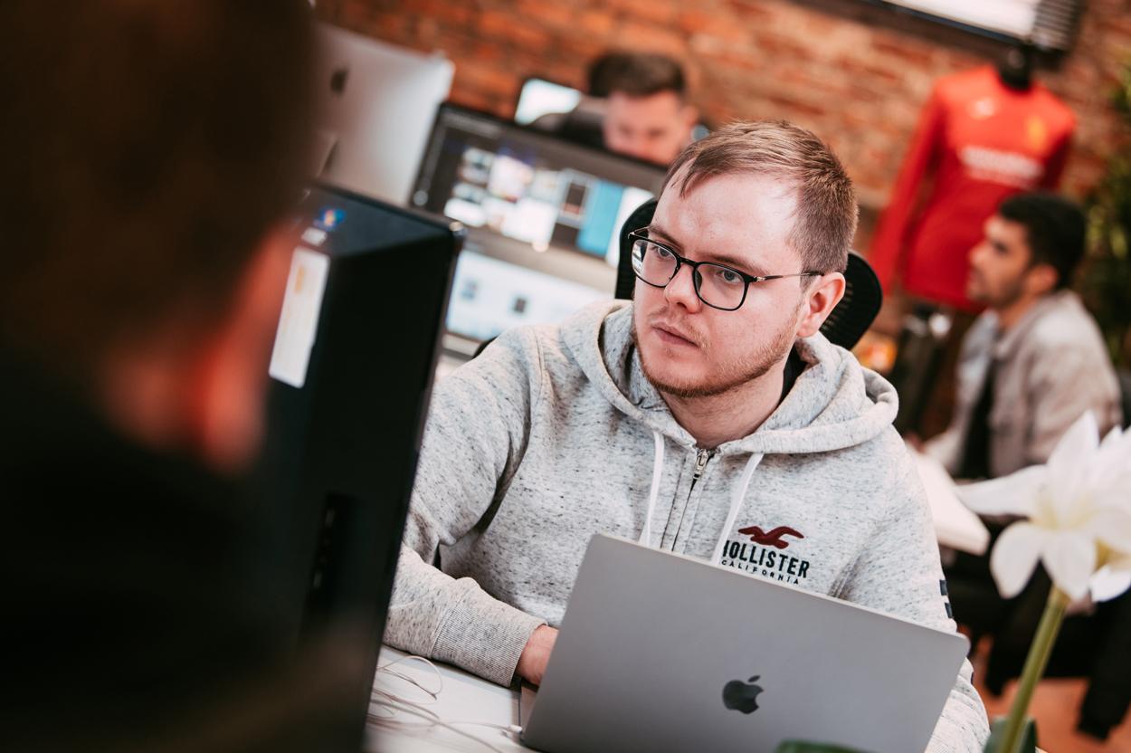 Laravel Web Design - UK Laravel Agency - Custom PHP - Manchester